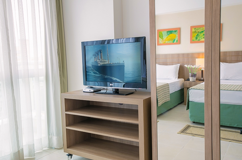 quarto-superior-com-duas-camas-de-solteiro-saint-moritz-hplus-em-brasilia (2)