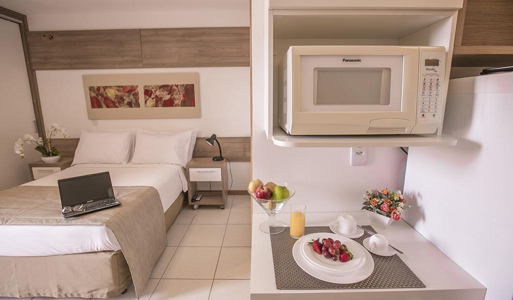 apartamento com vista para o lago do flat em Brasília hplus Life Resort long stay