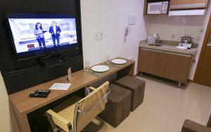 quarto do apart hotel flat em brasilia vista park sul hplus long stay