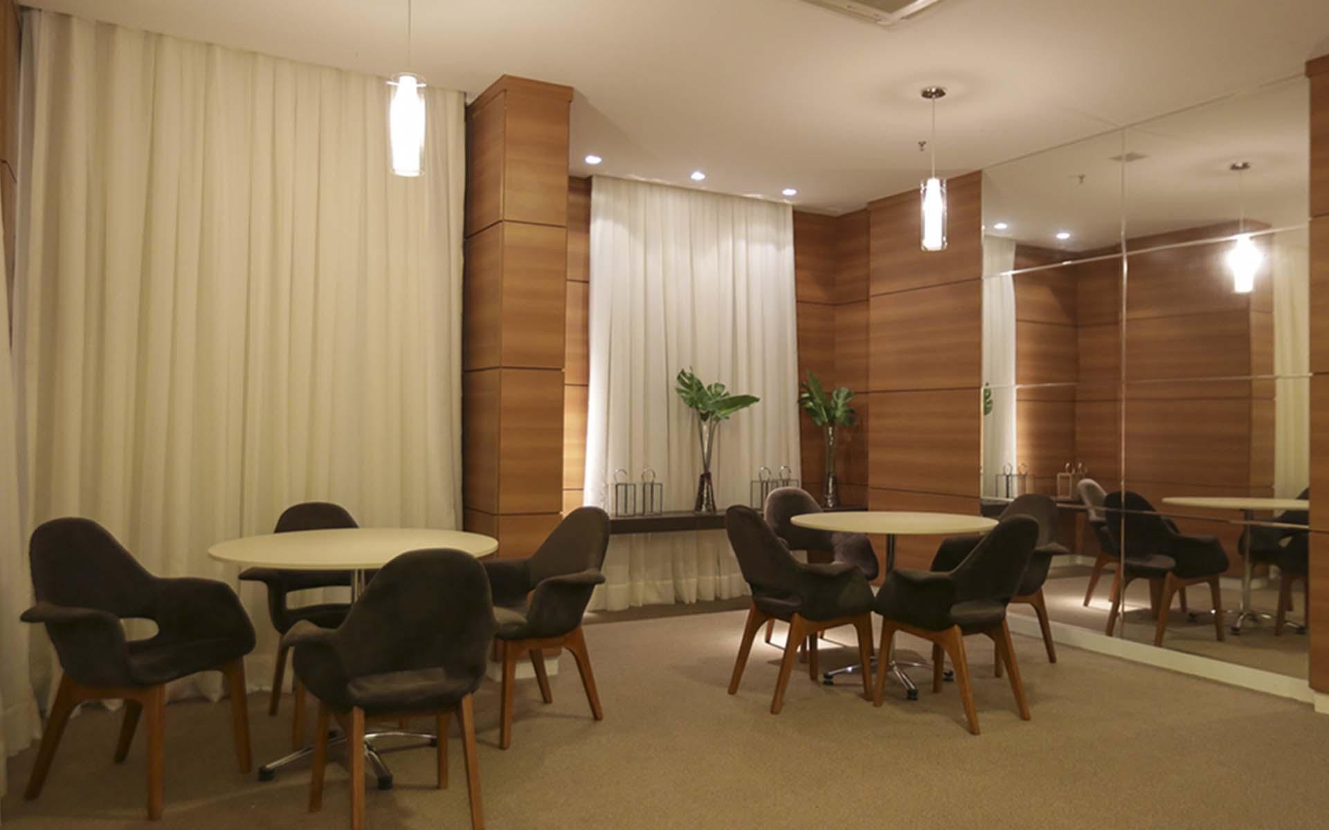 salão de squash do apart hotel flat em brasilia vista park sul hplus long stay