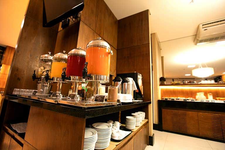 hotel athos bulcão café da manhã