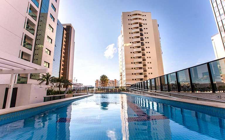 piscina hotel athos bulcão