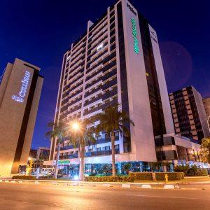 hotel em Brasília Hplus Athos Bulcão