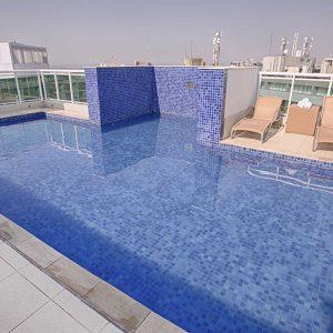 piscina do apart hotel flat em brasilia biarritz hplus long stay