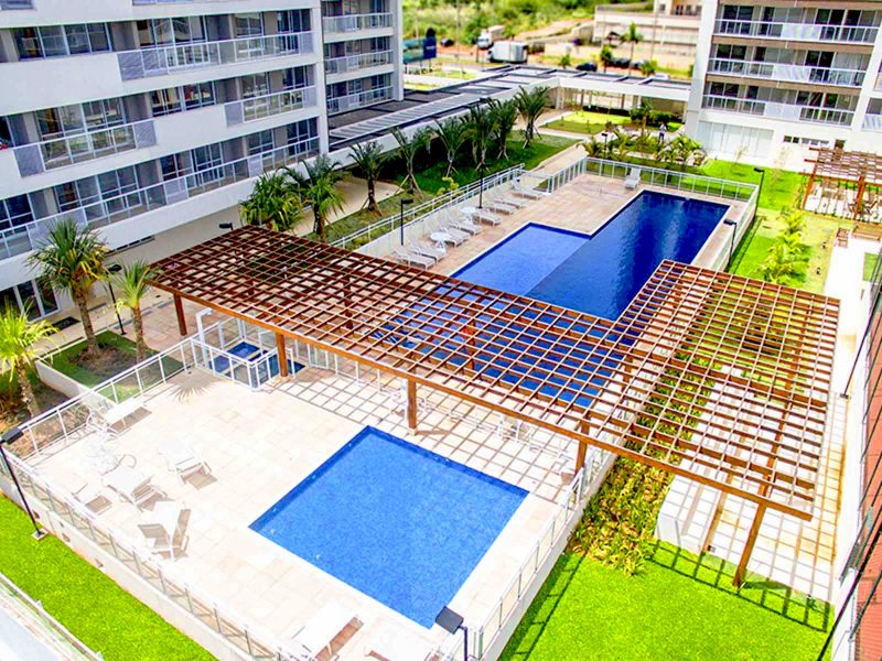 piscina-do-flat-em-brasilia-hplus-blend-long-stay