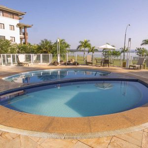piscina do apart hotel flat em brasilia life resort hplus long stay