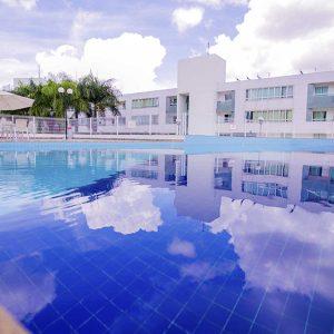 Piscina do apart hotel flat em brasilia premier hplus long stay