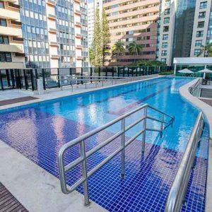 piscina hplus athos bulcão